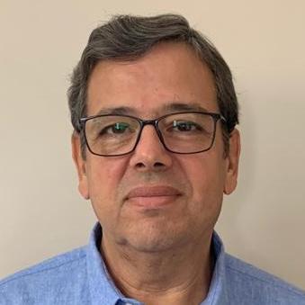 Foto do professor Marco Aurelio R F Passos