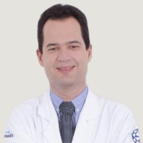 Foto do professor Luciano César Azevedo