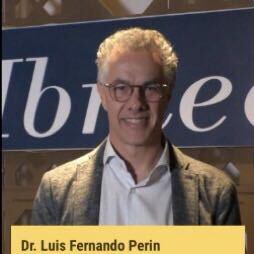Foto do professor Luis Fernando Perin